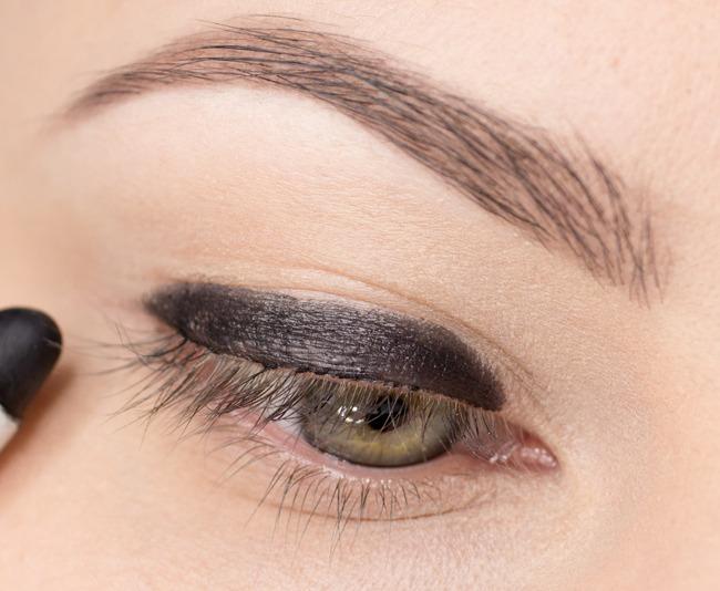 makijaż smoky eyes krok po kroku