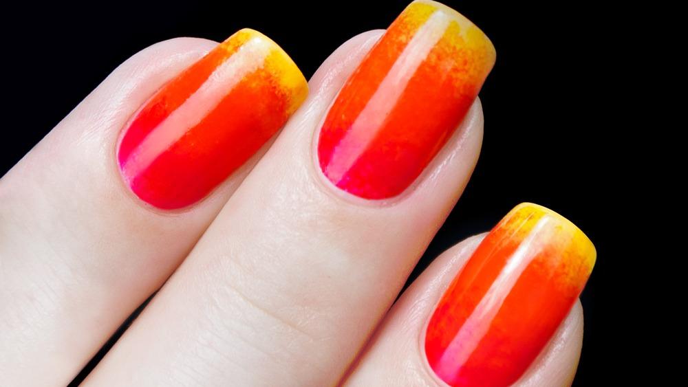 Manicure: Ogniste Ombre Nails